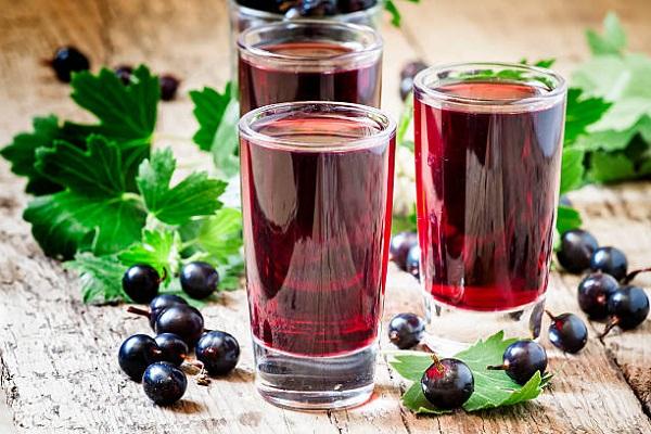 Компот из черной смородины - 6 простых рецептов полезного напитка