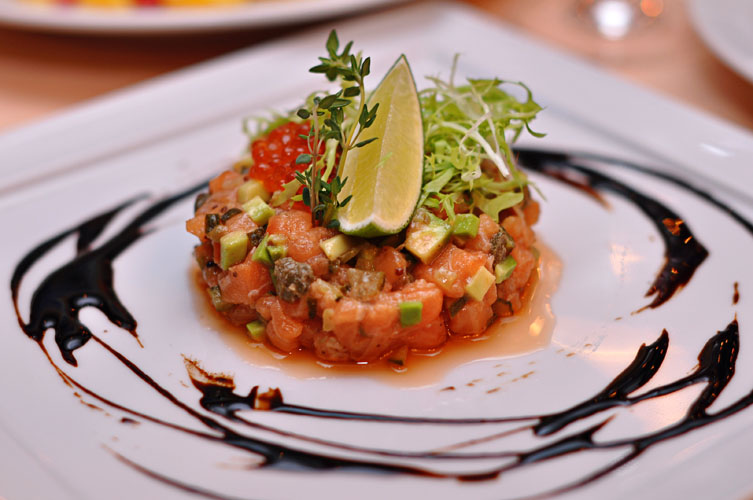 Тартар из лосося - рецепт пошаговый с фото